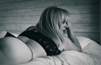 Isa's Boudoir Photography Session