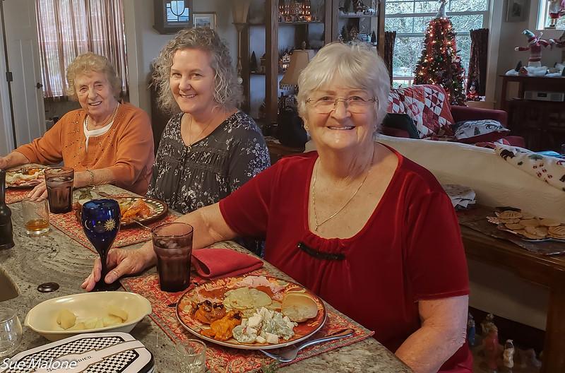 12-25-2019 Family Christmas Edited-45.jpg