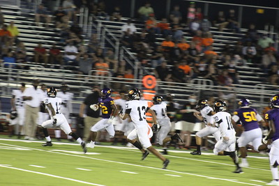 Center Roughriders edge out Gladewater, 41-40