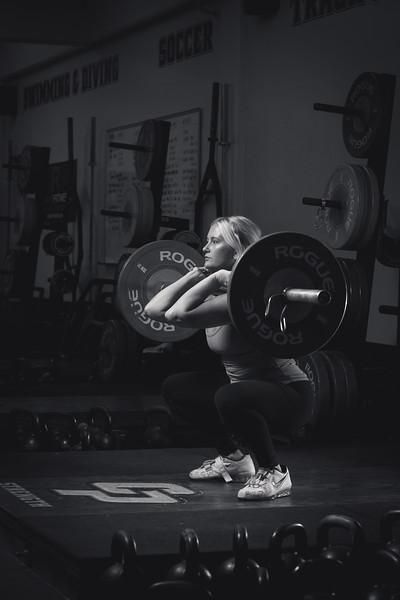 Sara_weightroom_5stars_BW-14_IMG_4253.jpg