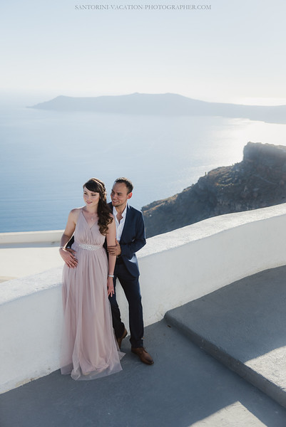 Santorini-post-wedding-photo-shoot-honeymoon-sessio-couples-session--7.jpg