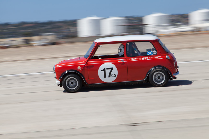 Bart Smith races towards turn 10 in his 1962 Austin Mini Cooper. © 2014 Victor Varela
