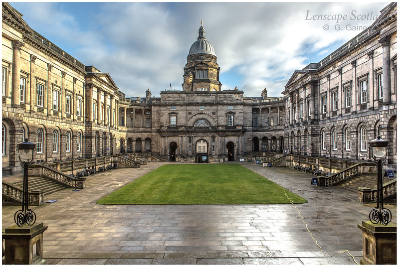 Edinburgh University Old College quadrangle and dome