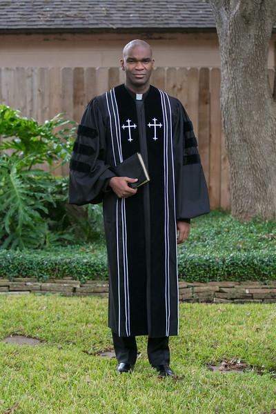 Pastor Moore-6035.jpg
