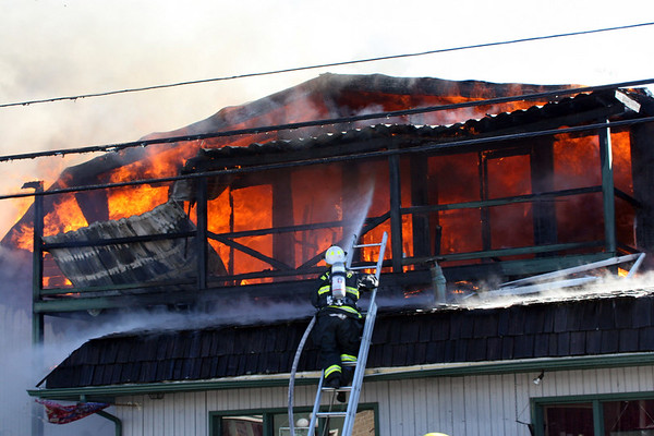 Fire Destroys Unicoi Apartment - March 2007