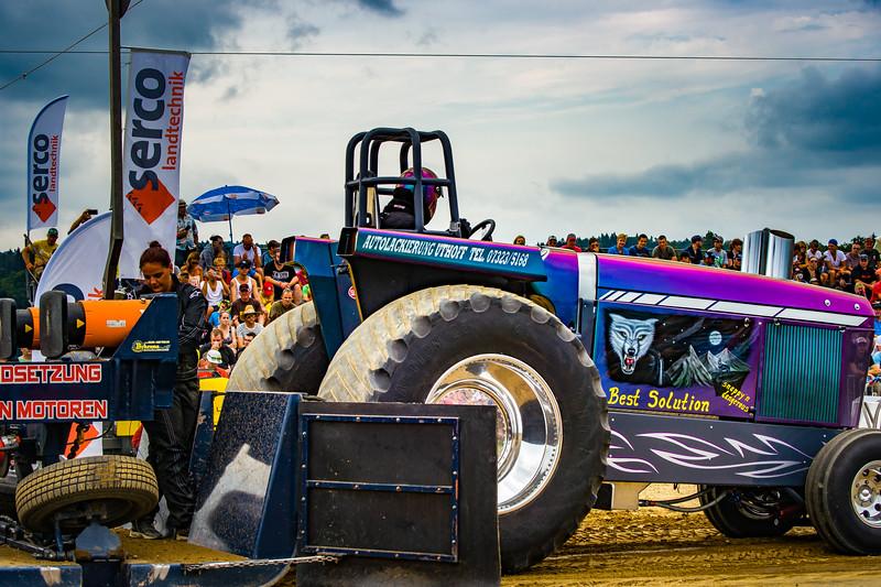 Tractor Pulling 2015-02466.jpg