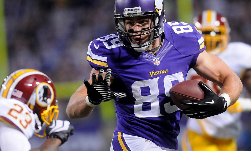 . Minnesota Vikings tight end John Carlson on his touchdown run for 28 yards to score during the third quarter. (Pioneer Press: Sherri LaRose-Chiglo)