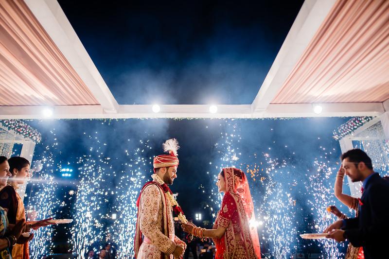 Candid Wedding Photographer Ahmedabad-1-184.jpg