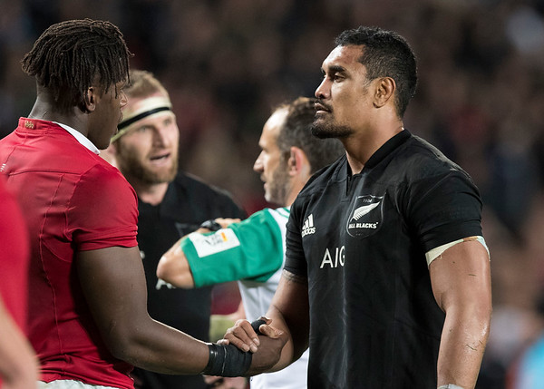 Kieran Read (c)  and Romain Poite  Jerome Kaino Maro Itoje  during game 10 of the British and Irish Lions 2017 Tour of New Zealand, the third Test match between  The All Blacks and British and Irish Lions, Eden Park, Auckland, Saturday 8th July 2017 (Photo by Kevin Booth Steve Haag Sports)  Images for social media must have consent from Steve Haag