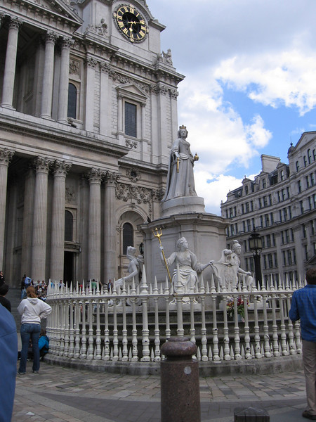 Statue of Queen Anne, St. Paul's Cathedral, London