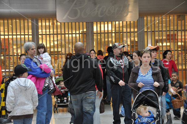 B95.5 Easter Egg Hunt at Colonie Center March 31 2012