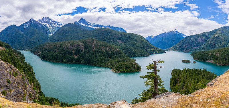Lake Diablo. Cascade Mountain Loop, Washington