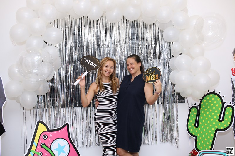graduation-party-class-of-2021-instant-print-photo-booth-in-ho-chi-minh-Chup-hinh-in-anh-lay-lien-Tiec-Tot-Nghiep-2021-WefieBox-Photobooth-Vietnam-cho-thue-photo-booth-051.jpg