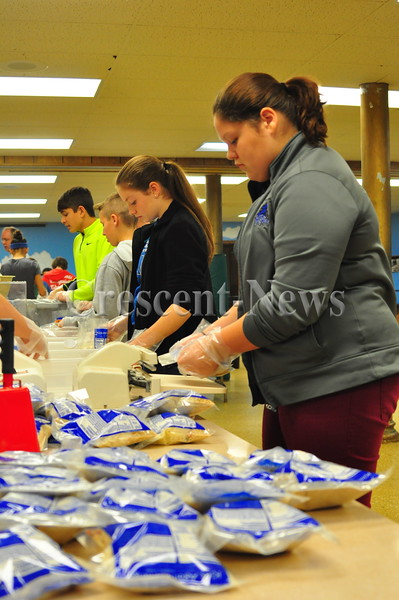 11-09-16 NEWS Kids Against Hunger Food Drive