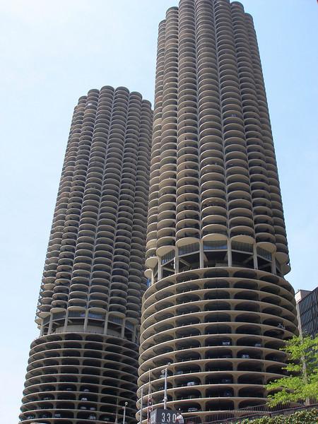 Jenn, Steph & Lynn go to Chicago (May 2007)