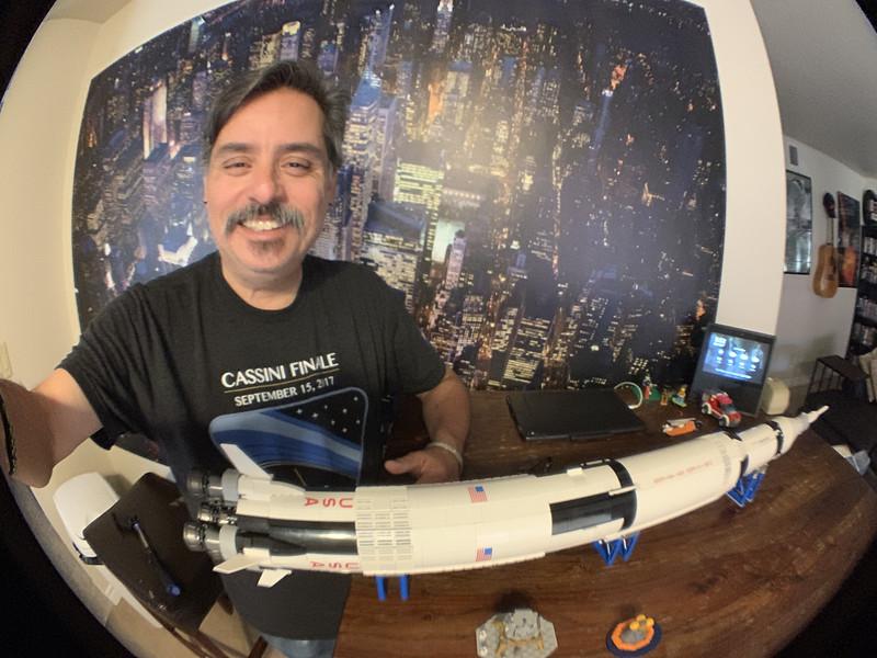 2019-06-05 LEGO Saturn V Build-07_heic.JPG