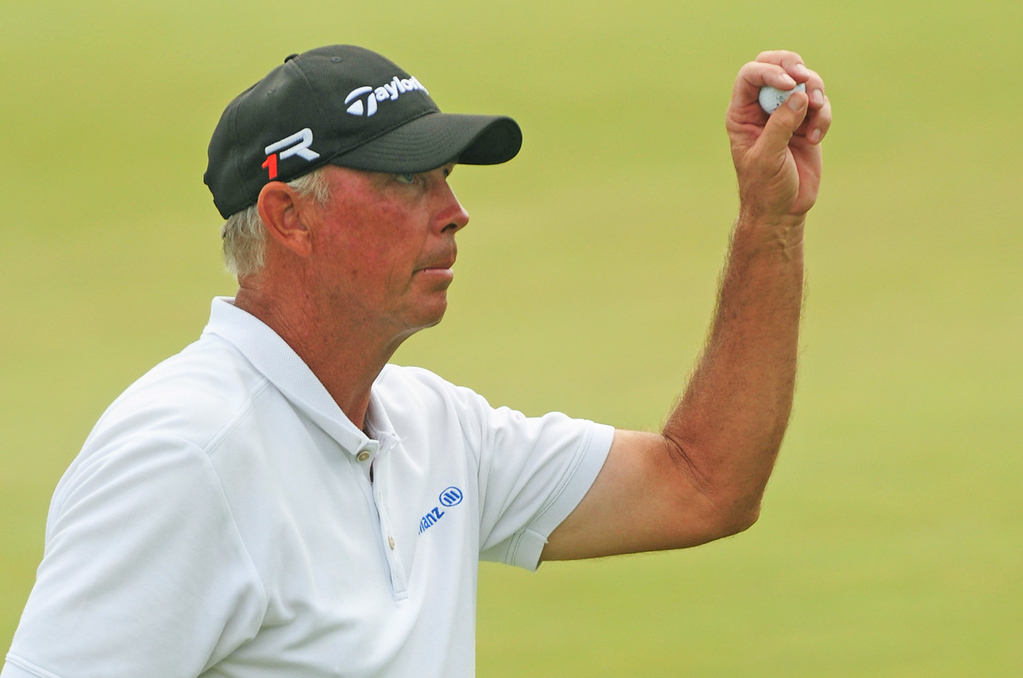 . Minnesotan Tom Lehman finished the 3M championship with a 70 on Sunday, giving him a three-day total of 208, eight strokes under par. Lehman tied for 29th place in the tournament. (Pioneer Press: Scott Takushi)