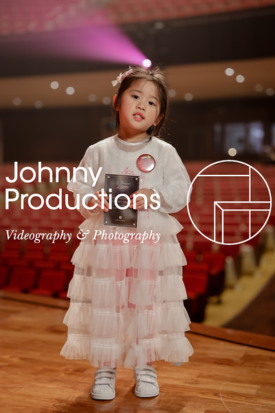 0002_day 1_award_red show 2019_johnnyproductions.jpg