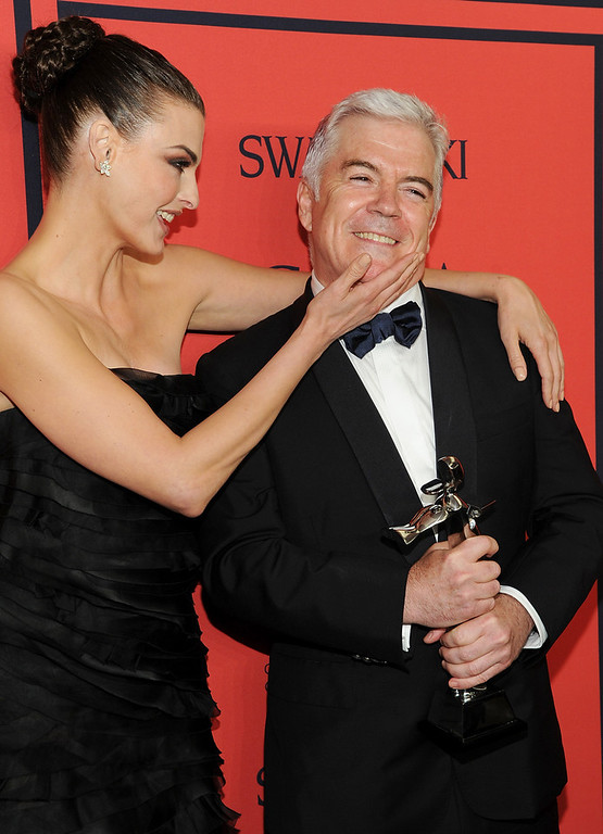 . Media Award honoree Tim Blanks, right,  poses with model Linda Evangelista in the press room at the 2013 CFDA Fashion Awards at Alice Tully Hall on Monday, June 3, 2013 in New York. (Photo by Evan Agostini/Invision/AP)