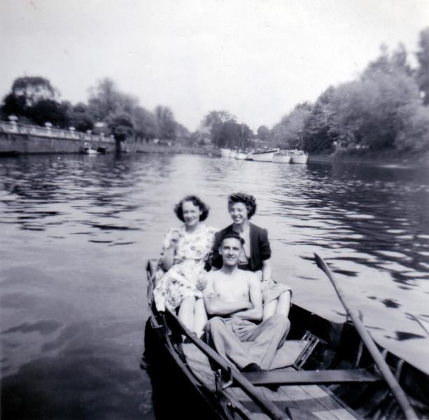 Richmond: Oarsman plus May 1949