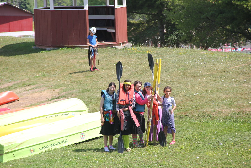 kars4kids_thezone_camp_girlsDivsion_activities_boating (26).JPG