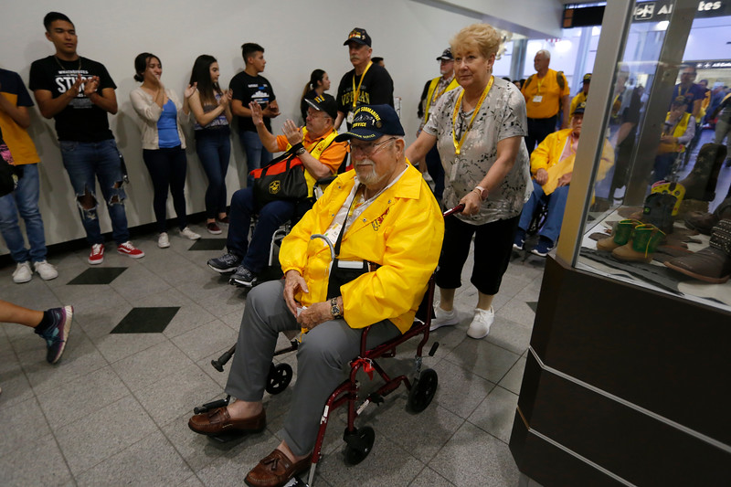 050319HonorFlight203.JPG