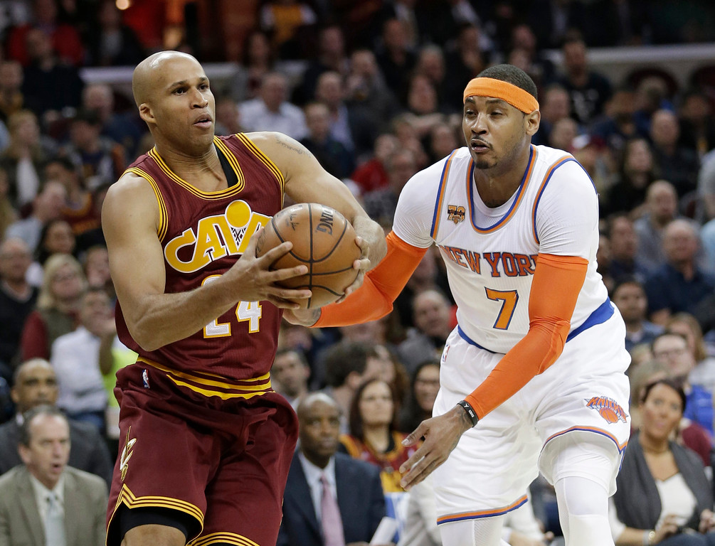 . Cleveland Cavaliers\' Richard Jefferson (24) drives against New York Knicks\' Carmelo Anthony (7) in the first half of an NBA basketball game, Thursday, Feb. 23, 2017, in Cleveland. (AP Photo/Tony Dejak)