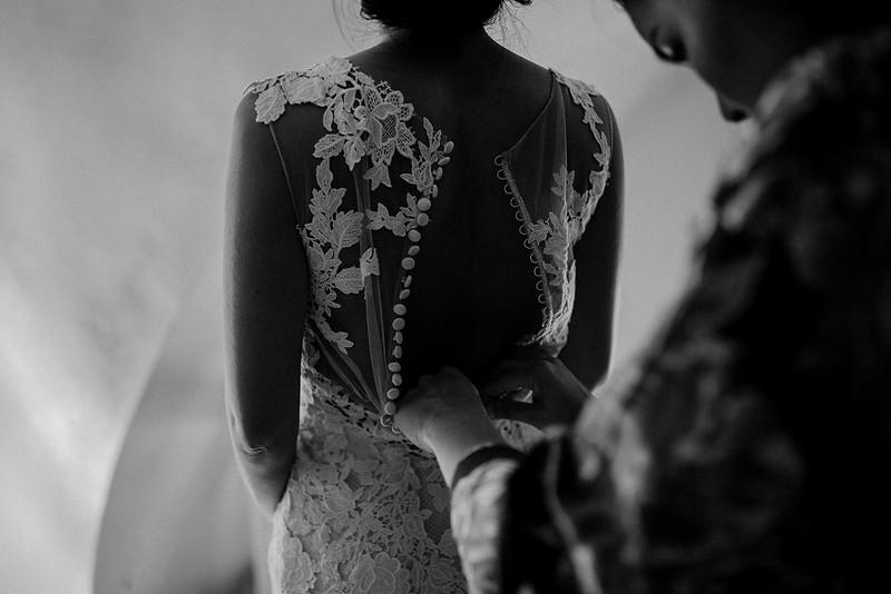 Tu-Nguyen-Destination-Wedding-Photographer-Santorini-Rocabella-Hotel-Euna-Ehsan-171.jpg