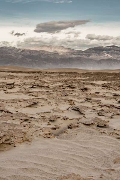 Death-Valley-sand-dunes-morning-April-stovepipe-well.jpg