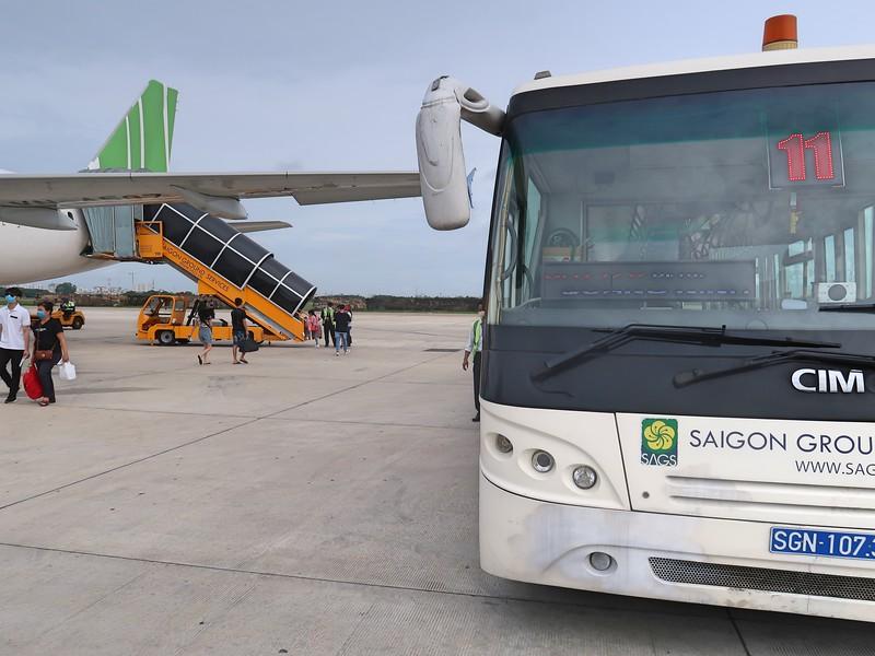 IMG_3515-sgn-bus-for-vdo-flight.jpg