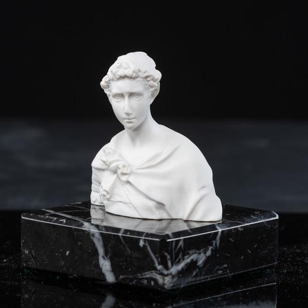 Statue-5-500.jpg