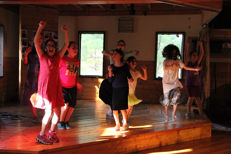 kars4kids_thezone_camp_girlsDivsion_activities_DanceAerobics (30).JPG