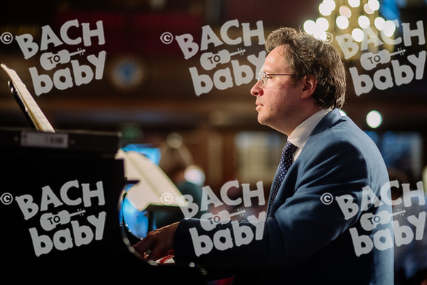 © Bach to Baby 2017_Alejandro Tamagno_Covent Garden Morning_2017-12-20 008.jpg