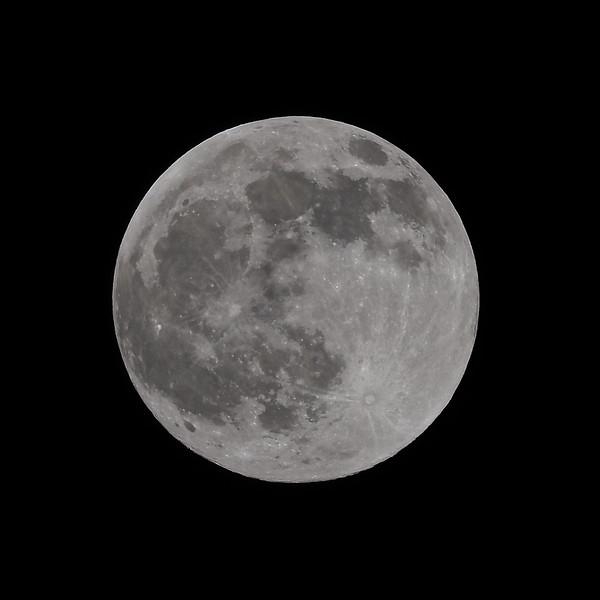 Full Moon (99.9%)