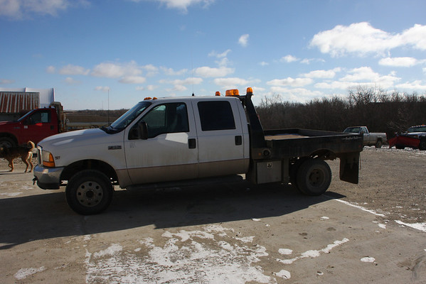 ---SOLD----Ford F350 1999 4 x 4, 7.3 - $7800