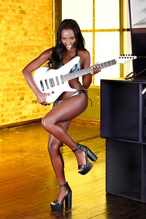 August - Bianca Koyabe