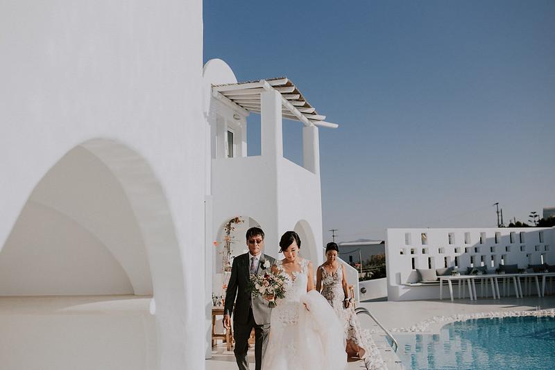 Tu-Nguyen-Destination-Wedding-Photographer-Santorini-Rocabella-Hotel-Euna-Ehsan-375.jpg