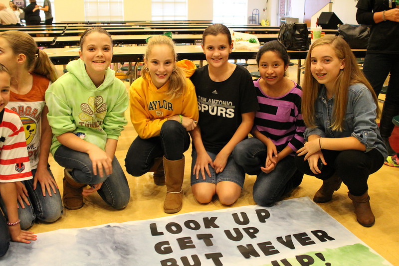 6th Grade Banner Eva Bickel, Emeline Crumley, Julia Smith, Faith Carpenter, ___.JPG