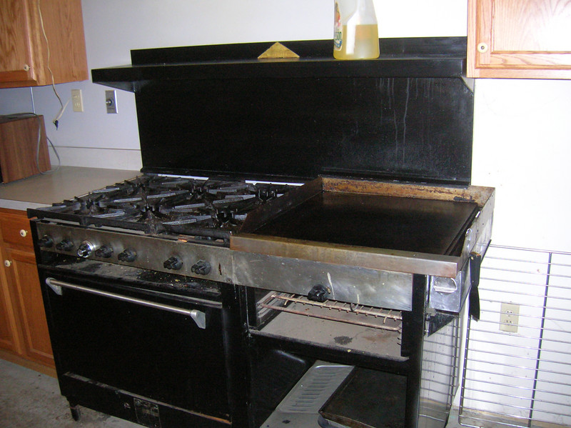 The stove / griddle combo