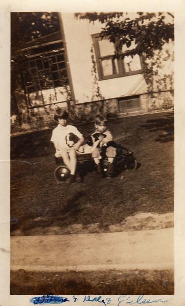 Wilma Eileen & Dale Clark - 1930.jpg