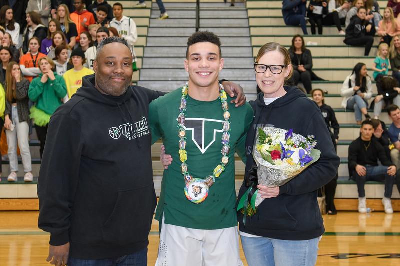 Senior Night 2020-2020-CG-7608.jpg