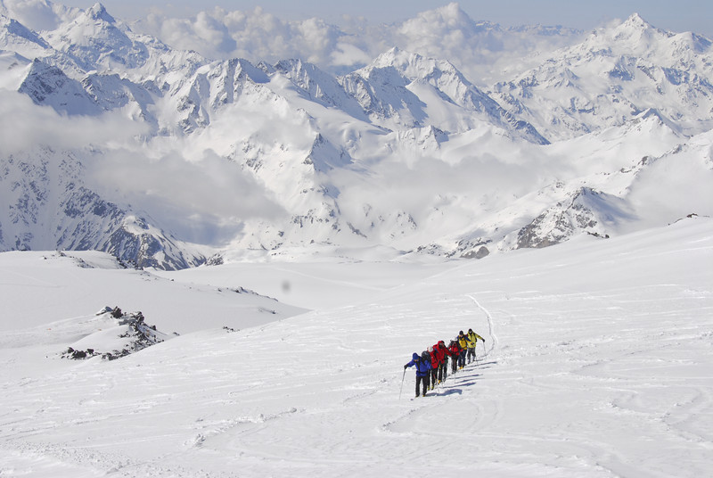 080502 1934 Russia - Mount Elbruce - Day 2 Trip to 15000 feet _E _I ~E ~L.JPG