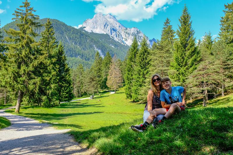 Paige and Noah in Mittenwald-3x2-DSCF0177.jpg