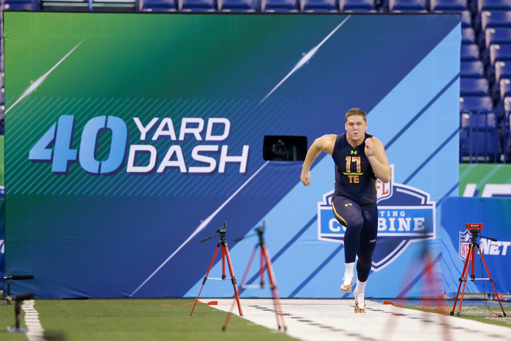 . Ashland tight end Adam Shaheen runs the 40-yard dash at the NFL football scouting combine in Indianapolis, Saturday, March 4, 2017. (AP Photo/Michael Conroy)