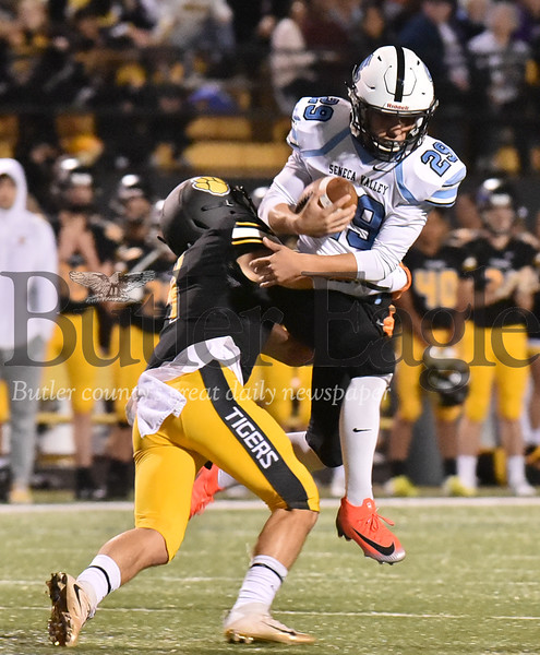 40563 Seneca Valley vs North Allegheny WPIAL Class 6A Quad City Conference game at North Allegheny