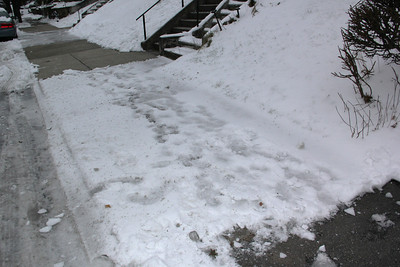 Unshoveled Sidewalk, East Broad St, Tamaqua (12-28-2013)