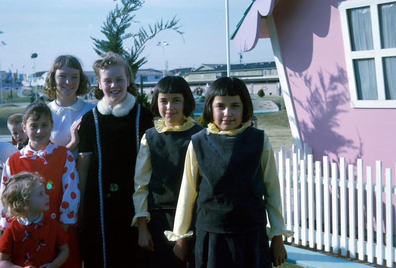 0153 - Helene, Jeannette, Linda (5-65).jpg
