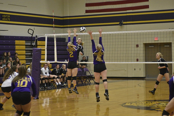 09-12-17 Sports Tinora at Holgate VB