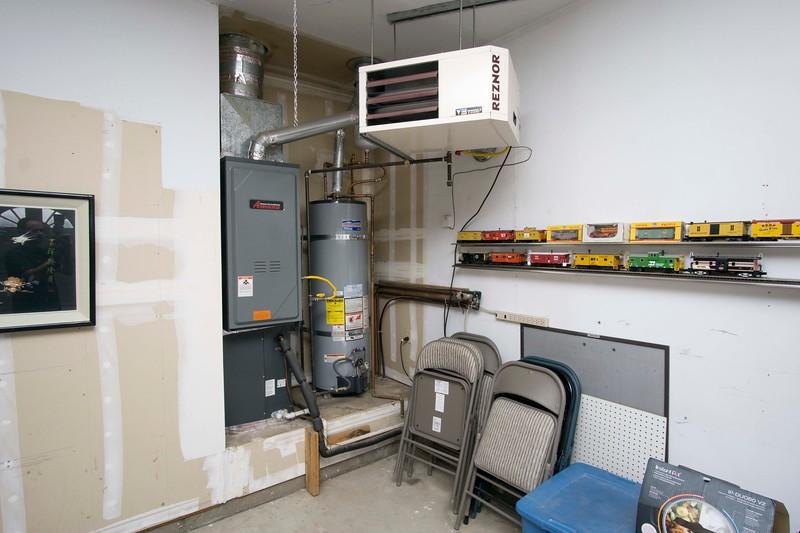 garage heater.jpg