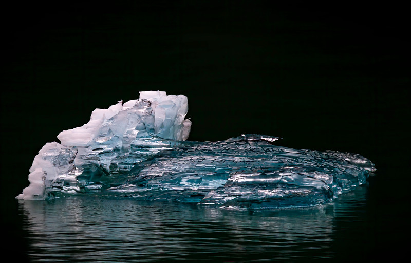 Blue Ice reflections_BL8E6554.jpg